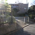 建物裏に公園があります。